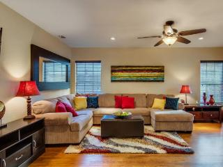 NEW: 4 miles Downtown, Historic & Safe District - South Texas Plains vacation rentals