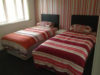Serviced Self Catering House in Wolverhampton - West Midlands vacation rentals