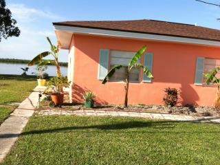 charming waterfront cottage in fishing village - Fort Myers vacation rentals