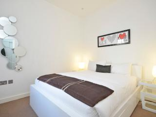 Bloomsbury House, New Oxford Street - London vacation rentals