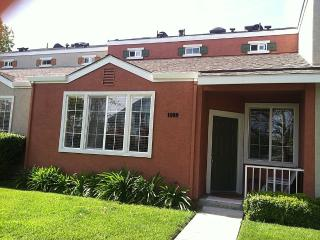 2BR Townhouse in Downtown San Jose - San Jose vacation rentals