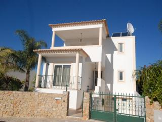 Modern luxury villa with pool and air conditioning - Alvor vacation rentals