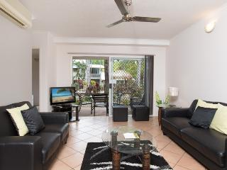 Tropical Retreat a Stones Throw to the Beach - Trinity Beach vacation rentals