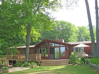 Sauble Beach cottage (#823) - Tobermory vacation rentals