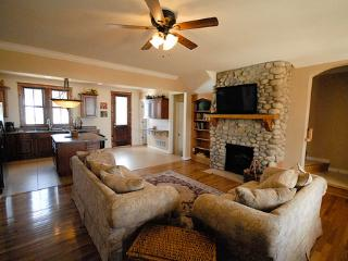 903 South Main - Spectacular mountain views from downtown on the river park - Buena Vista vacation rentals