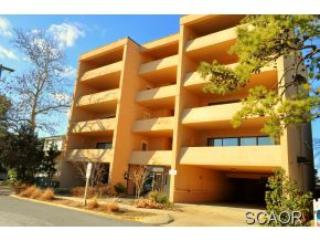 Newly Renovated Ocean Block Condo Downtown Rehobot - Image 1 - Rehoboth Beach - rentals