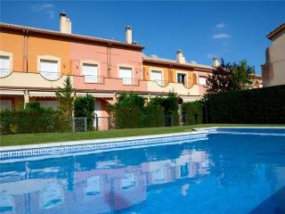 Holiday house for 4 persons, with swimming pool , in Estartit - Costa Brava vacation rentals