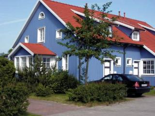 Vacation Apartment in Prerow - 431 sqft, quiet, bright, comfortable (# 4969) - Mecklenburg-West Pomerania vacation rentals