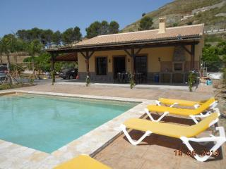 4 bedroom, Air-conditioned Villa. Private pool - Coin vacation rentals