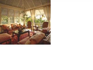 Lovely 4 Bedroom Villa with Private Pool in Round Hill - Hope Well vacation rentals