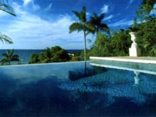 Cozy 4 Bedroom Villa with Private Plunge Pool in Round Hill - Hope Well vacation rentals