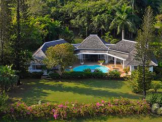 4 Bedroom Villa Adjacent to Tyrall Golf Course in Montego Bay - Jamaica vacation rentals