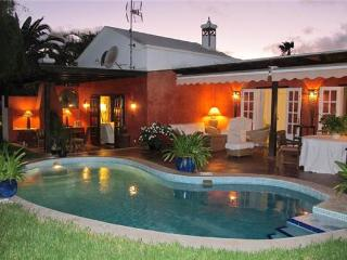 Holiday house for 8 persons, with swimming pool , near the beach in Teguise, Costa Teguise - Costa Teguise vacation rentals