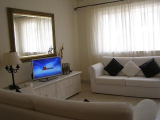 Large and Comfortable Apartment in St. Paul's Bay - Saint Paul's Bay vacation rentals