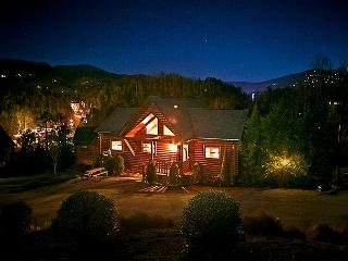 Luxurious 4 BR Downtown Gatlinburg Cabin w/ Amazing Views of Smoky Mountains - Gatlinburg vacation rentals