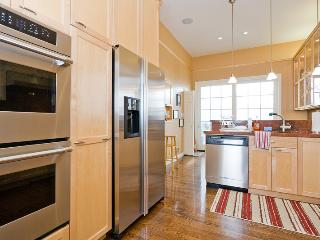 Luxury Pac Heights Victorian-A+ Location W/Garage - San Francisco Bay Area vacation rentals