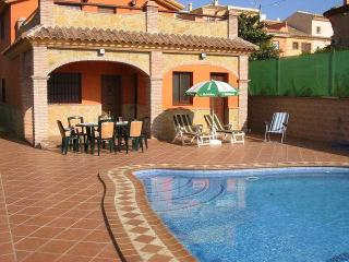 Luxury Villa with private pool, sat TV, air-con... - Alhaurin el Grande vacation rentals