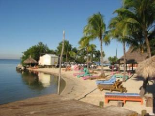 Moonfire Houseboat docked at Gilberts in Key Largo - Marathon vacation rentals