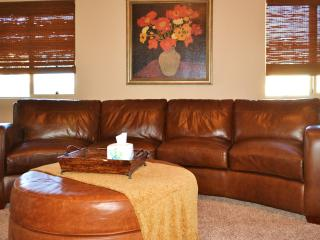 Sparkling (Almost) New Oro Valley Home! - Oro Valley vacation rentals