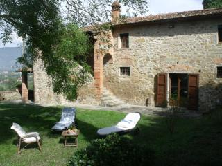 VILLA Il SOLE DI CHIO, with SWIMMING POOL, near CORTONA - Cortona vacation rentals
