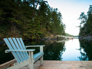 Waterfront Secret Cove Log Cabin - Halfmoon Bay vacation rentals