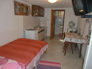 ROOM-STUDIO TINA in city center - Split vacation rentals