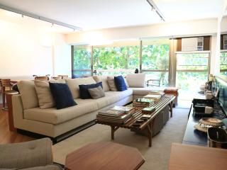 Welcoming 2 Bedroom Apartment in Leblon - Rio de Janeiro vacation rentals