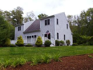 SPACIOUS 3 BEDRM in QUISSETT mins to WOODS HOLE 121293 - Falmouth vacation rentals
