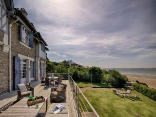 Spectacular villa with beach frontage in Deauville - Saint-Tropez vacation rentals