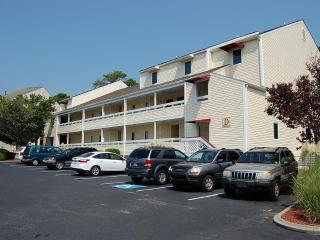 2 Bedrooom condo Close to the beach & golf course - North Myrtle Beach vacation rentals