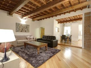 CR112iFlorence - Apartment Lorenzo - Florence vacation rentals