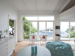 Camps Bay - Glen Beach Cottage - Camps Bay vacation rentals