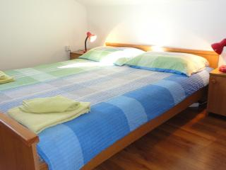 Welcoming apartment Darko 6 for 4 persons on the island of Krk - Krk vacation rentals