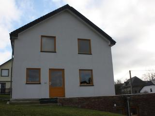 Holiday house in the Eifel in quiet  location near hiking and biking trails - BE-1077593-Meyerode - Belgium vacation rentals
