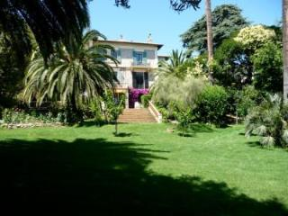 Albert Deluxe - Cannes vacation rentals