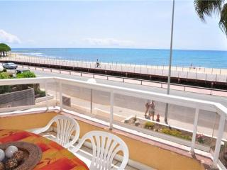 Apartment for 7 persons, with swimming pool , near the beach in Cambrils - Cambrils vacation rentals
