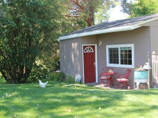 A Welcome Escape! Peppers Br B&B: Prv. Guest Suite - Walla Walla vacation rentals