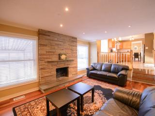 Fallsview Park Place - Spacious Family Home! - Niagara Falls vacation rentals