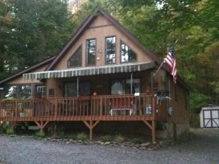 Cottage chic at the lake! - Lake Ariel vacation rentals