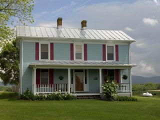 Shenandoah Valley Farmhouse - Waynesboro vacation rentals