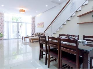 Lovely 4 bedroom beach house. special $99/night - Da Nang vacation rentals