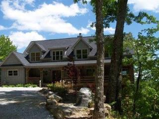 Fantastic 3 bed home in a mountain setting on Lake Toxaway with beautiful views from each room of the house - Smoky Mountains vacation rentals