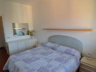 Brand  new 1  bdr+ 1  room  with  sofabed apartment  with  private  parking ,100  meters  from  the  beach!! - Levanto vacation rentals