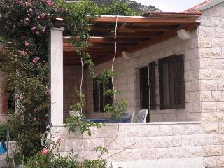 Charming Cottage in Bol's centre - Bol vacation rentals
