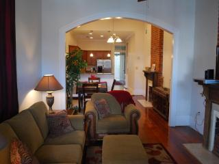 Historic Algiers Point Neighborhood With Ferry To The French Quarter. - New Orleans vacation rentals