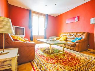 Cheap & Elegant in Downtown - Pamplona vacation rentals