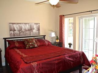 Master Suite in the SKY! Kit, Ldry, Pool Nr. DT SJ - San Jose vacation rentals