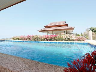 2 bedroom penthouse with private pool on the roof - Hua Hin vacation rentals