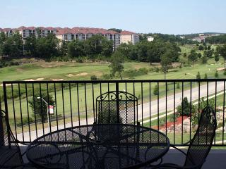 Top Branson condo w/Elevator access, Golf views & close to everything Branson has to offer (2-8) - Branson vacation rentals