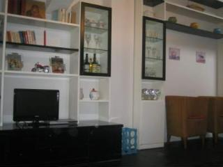 Nice apartment with internet & air conditioning. - Parma vacation rentals